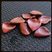 Heart Tones - Padauk - 1 Guitar Pick | Timber Tones